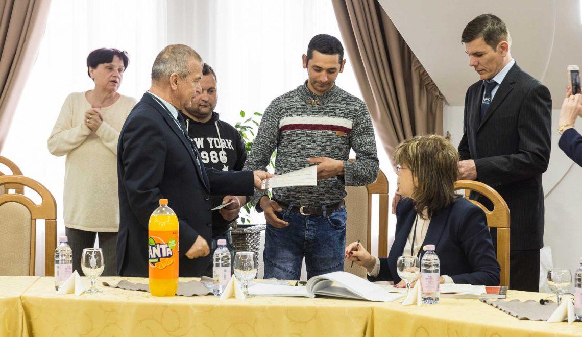 Végéhez közeledik a romák felzárkóztatását elősegítő program