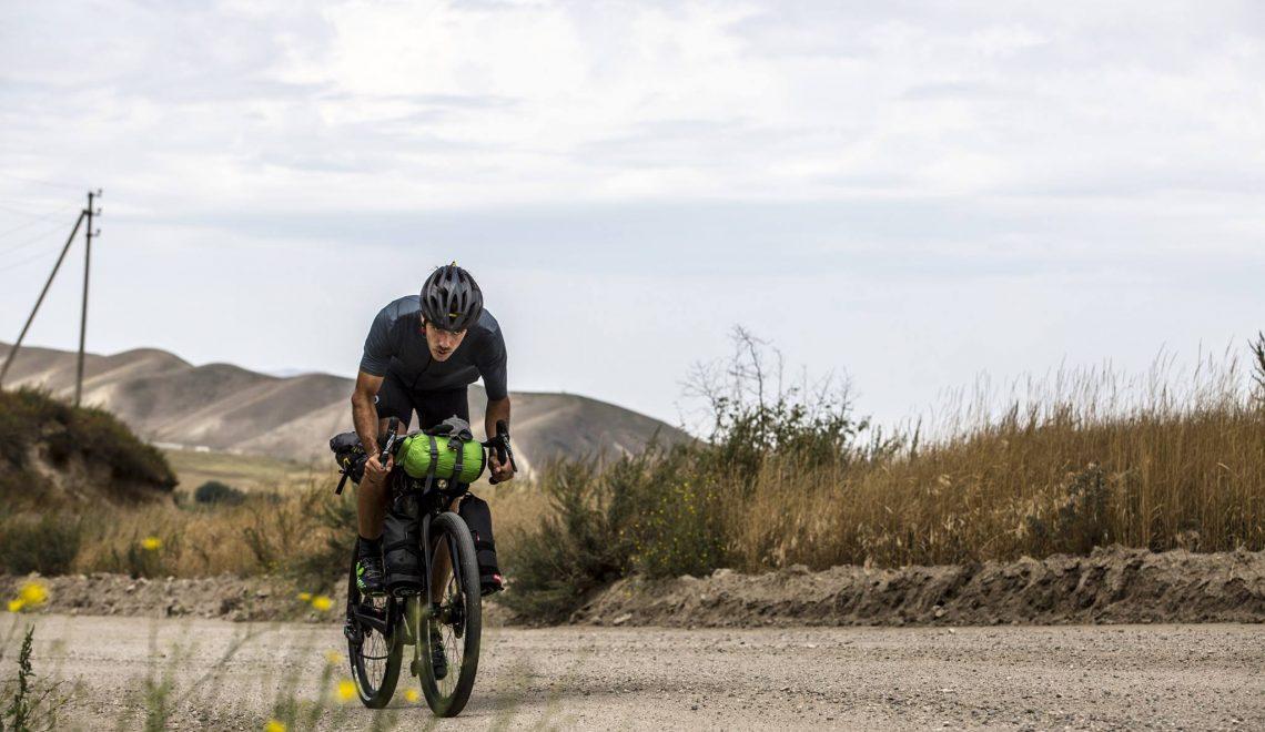 Hosszában szeli át Olaszországot biciklivel Bagoly Levente
